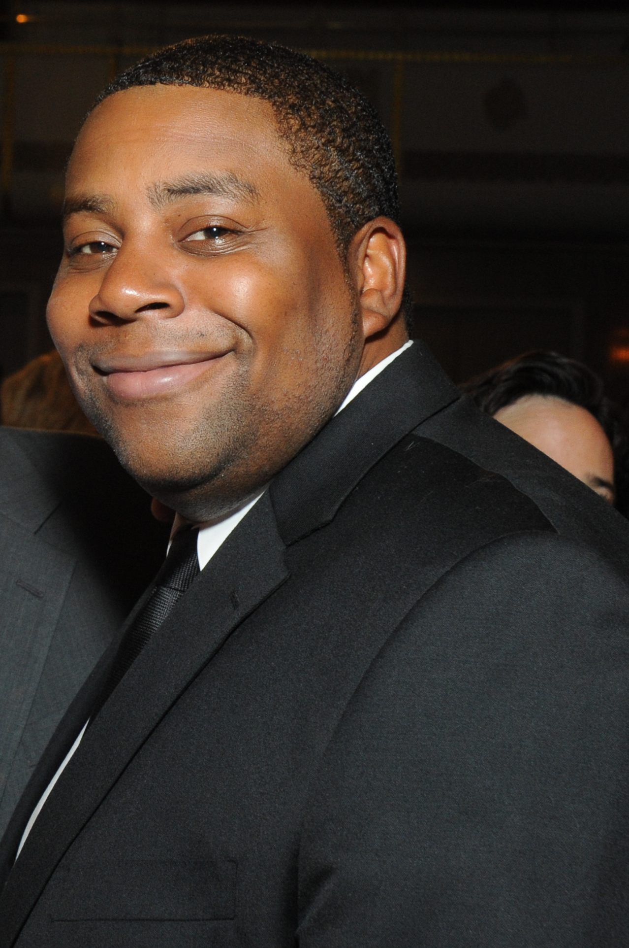 Kenan_Thompson_2012_%28cropped%29