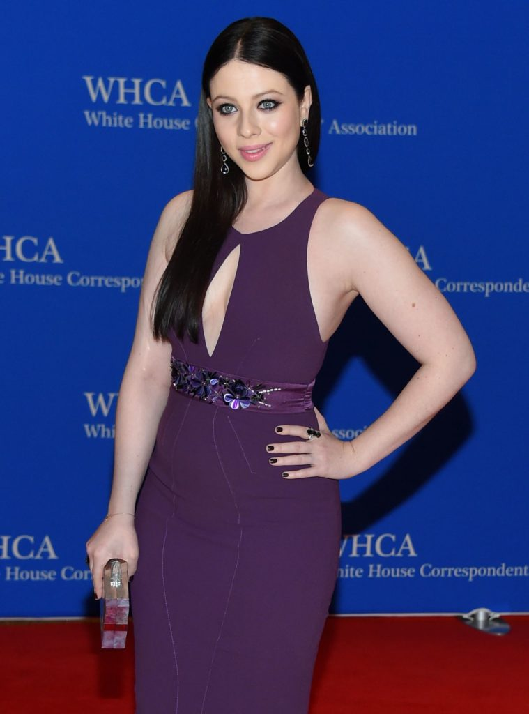 michelle-trachtenberg-at-white-house-correspondents-association-dinner-in-washington_1-759x1024