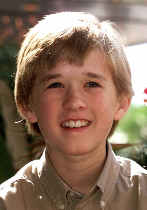 2-haley-joel-osment-art-ggau9ueb-12-haley-joel-pic-2