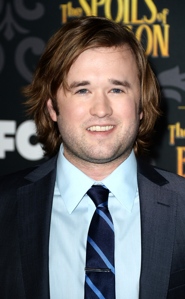 rs_634x1024-140108163610-634.Haley-Joel-Osment-The-Spoils-Of-Babylon-LA.ms.010814