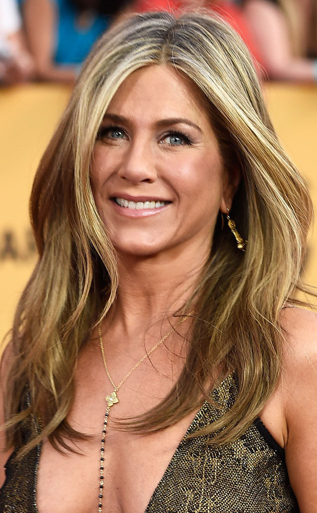 rs_634x1024-150126104954-634-jennifer-aniston-sag-awards-beauty-jw-12615