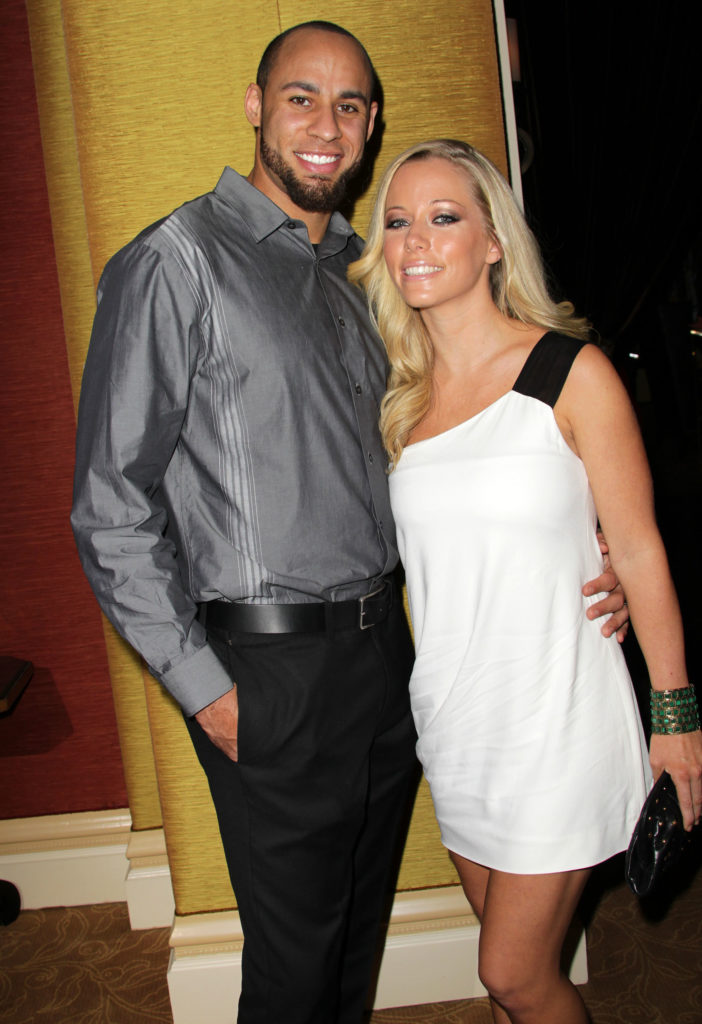 hank-baskett-kendra-wilkinson-702x1024