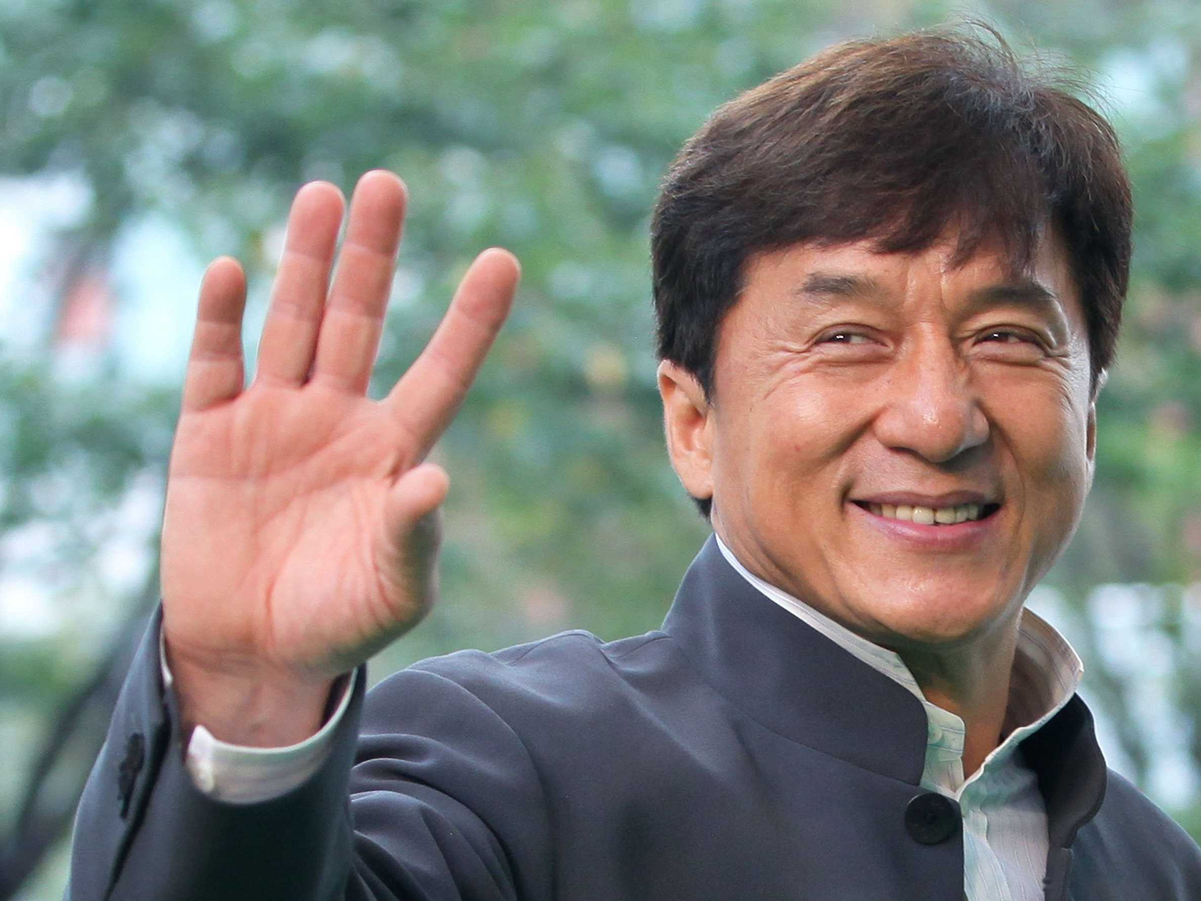 jackie-chan-would-really-like-to-see-some-countries-have-a-disaster