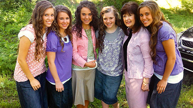 media-images-promos-2013-09-duggar-modest-dress-1-630x353-jpg