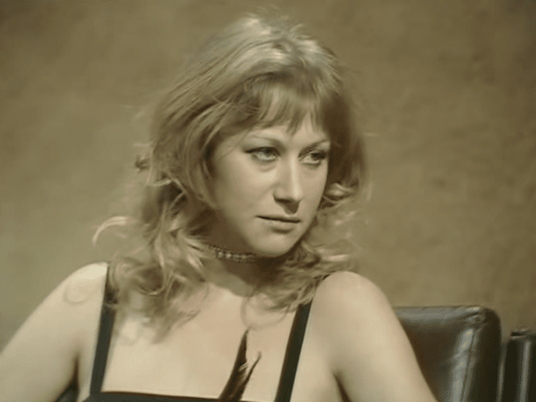 helen-mirren-shoots-back-at-horrible-sexist-questions-in-an-unearthed-70s-interview