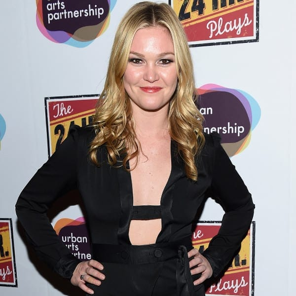 rs_600x600-160104110058-600-julia-stiles-red-carpet