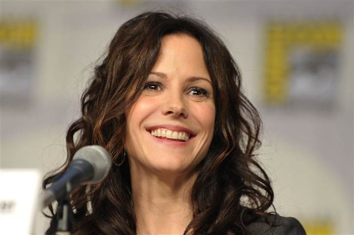 mary-louise-parker-inline-03-151111_8fe8d7b96c6f509b1ee8c2c3c888abc4.today-inline-large