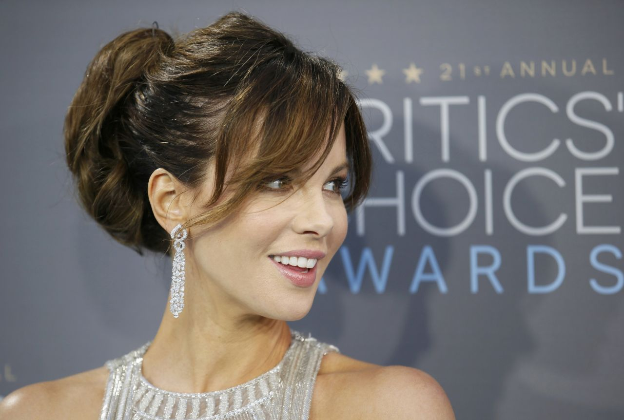 kate-beckinsale-2016-critics-choice-awards-in-santa-monica-3