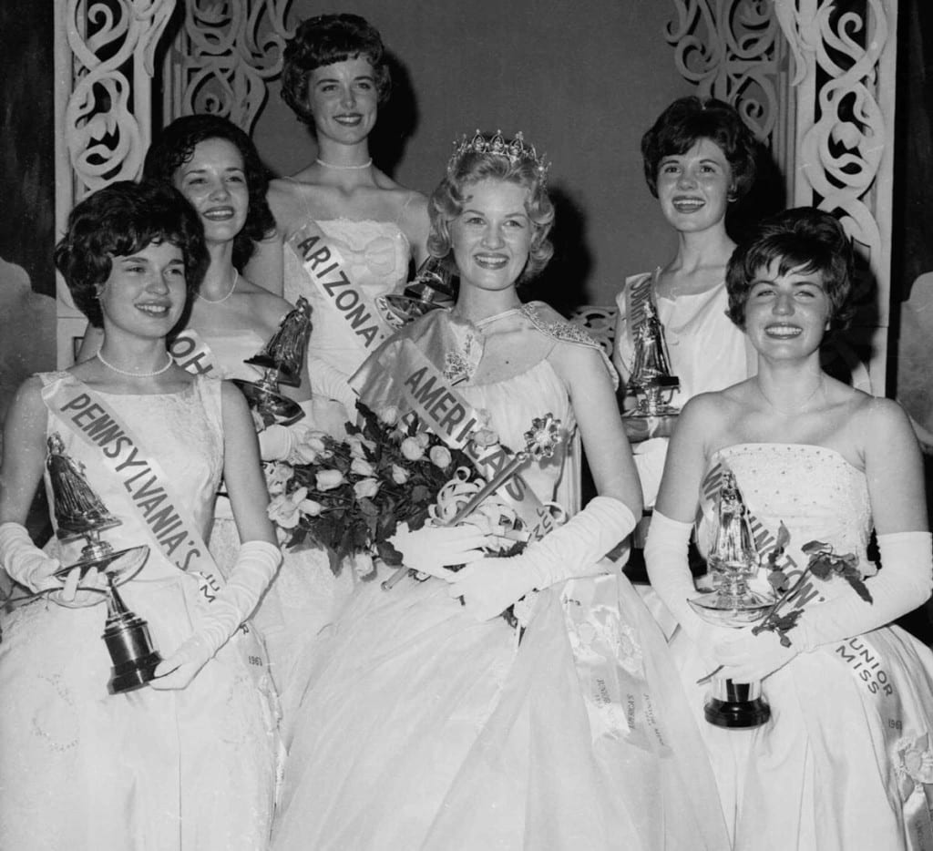 diane-sawyer-crowned-kentucky-junior-1963-1024x934