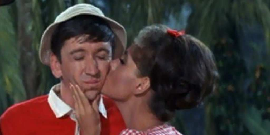 gilligans island Gilligan's island star dawn wells is severely down on her luck -- nearly $200k in the red -- and she's seeking financial aid from gilligan fans  tmz has learned dawn famously played mary ann.