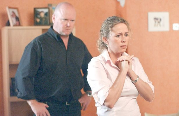 LUCY-BENJAMIN-as-Lisa-and-STEVE-McFADDEN-as-Phil-on-Friday-September-6-2002
