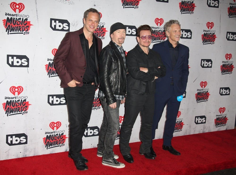 u2-iheartradio-music-awards-2016-press-room-02