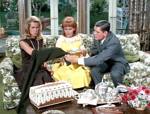 bewitched-series-remake-is-being-shopped-aroundeGO6Z