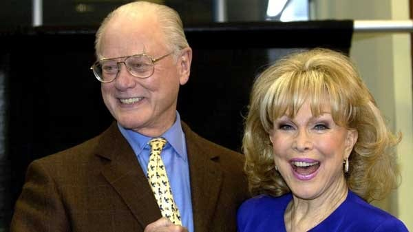 Barbara-Eden-and-Larry-Hagman-on-Dallas