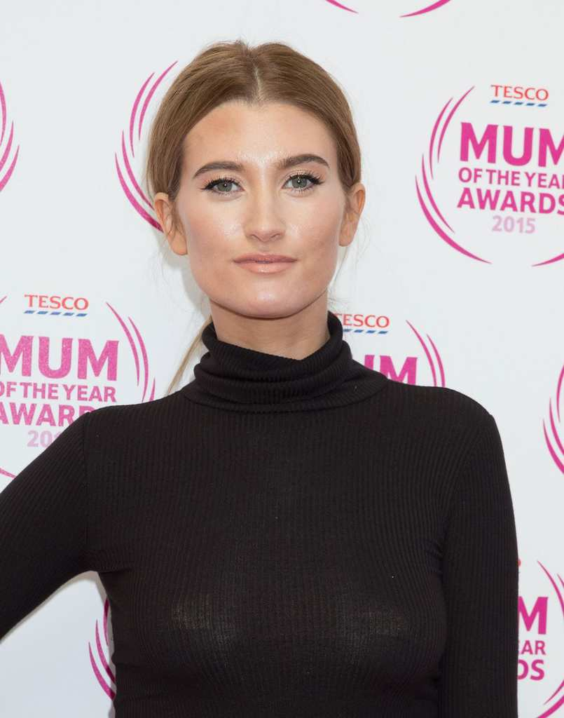 charley-webb-2015-tesco-mum-of-the-year-awards-in-london_4