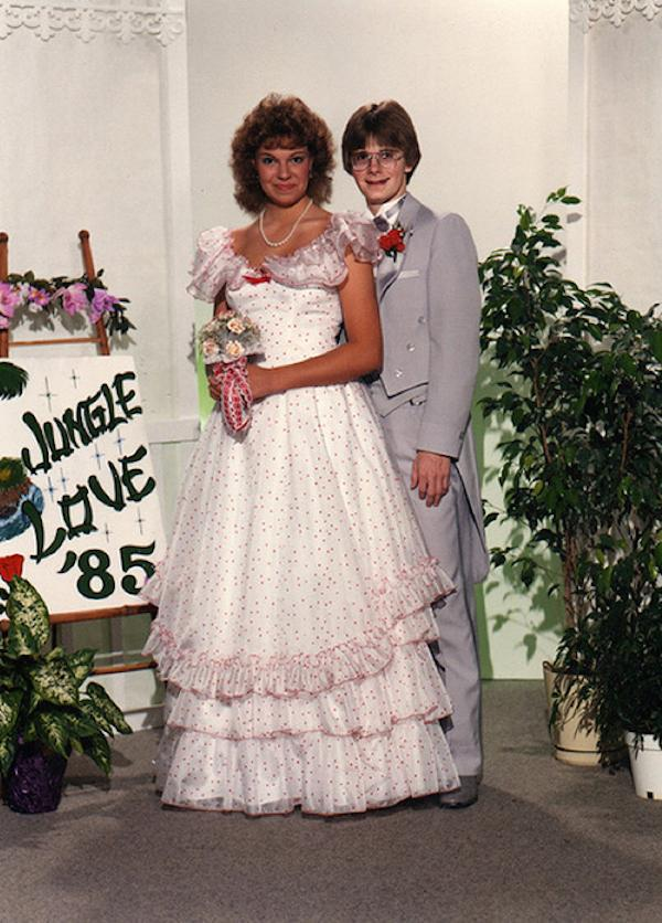 awkward-80s-prom-photos-make-me-glad-i-graduated-37-photos-170ZRad