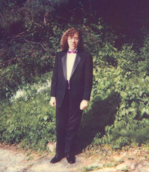 awkward-80s-prom-photos-make-me-glad-i-graduated-37-photos-3HzUAq