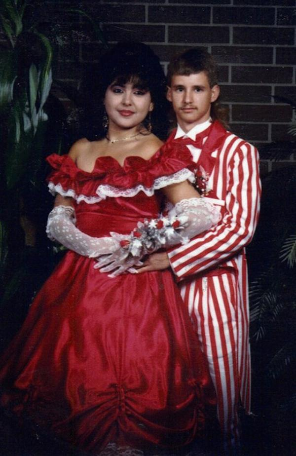awkward-80s-prom-photos-make-me-glad-i-graduated-37-photos-26