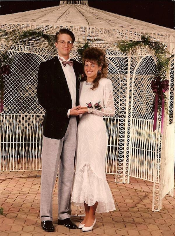 awkward-80s-prom-photos-make-me-glad-i-graduated-37-photos-8