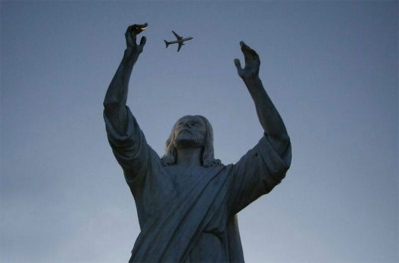 statue-juggling-plane-perfect-timing
