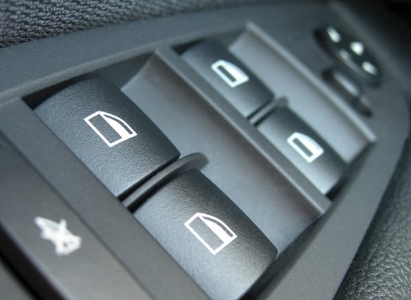 CRO_cars_Safty_Buttons_04-14