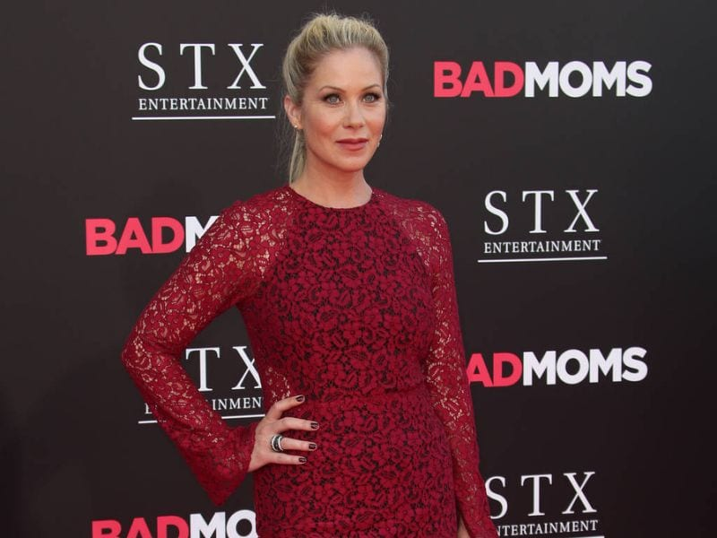 christina-applegate-stands-up-for-her-right-to-protest-politics_1