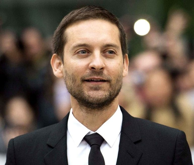 actor-tobey-maguire-poses-for-d5c5-diaporama
