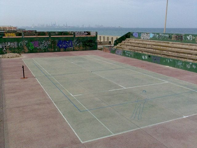 abandoned-tennis-court-valencia-spain