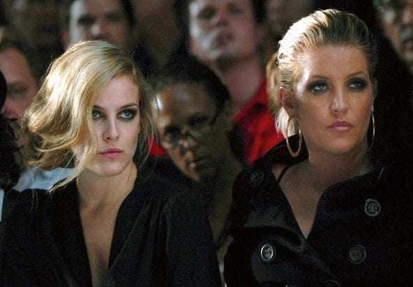 doppelganger-daughters-riley-keough-lisa-marie-presley-600x452