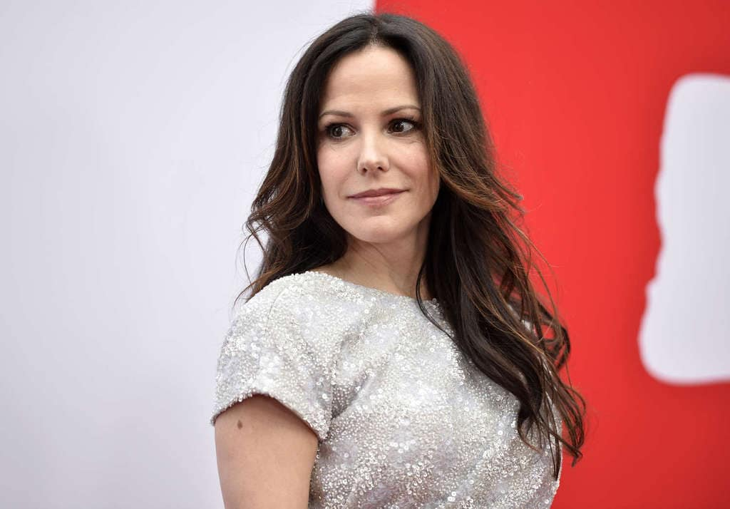 Mary-Louise-Parker---Red-2-Premiere--17