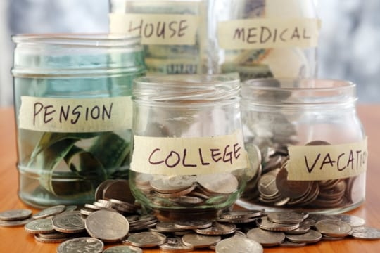 budgeting-with-jars-of-money