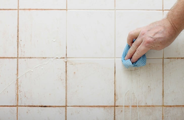 cleaning-tiles-and-grout