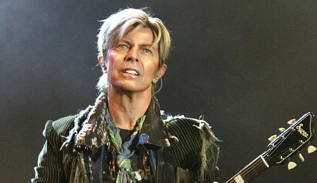 o-DAVID-BOWIE-facebook5Tn3G