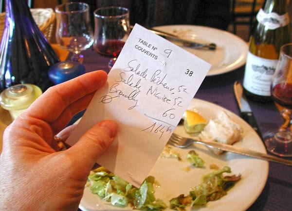 tips-money-restaurant-receipt1