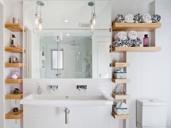 Modern-bathroom-with-custom-shelving