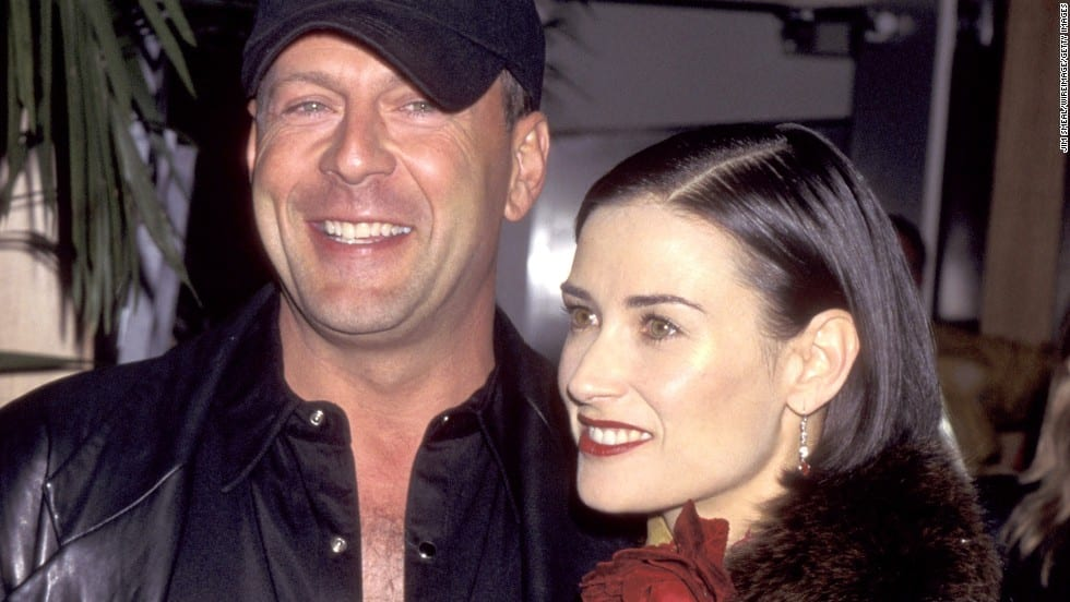121008065419-splits-bruce-willis-and-demi-moore-horizontal-large-gallery