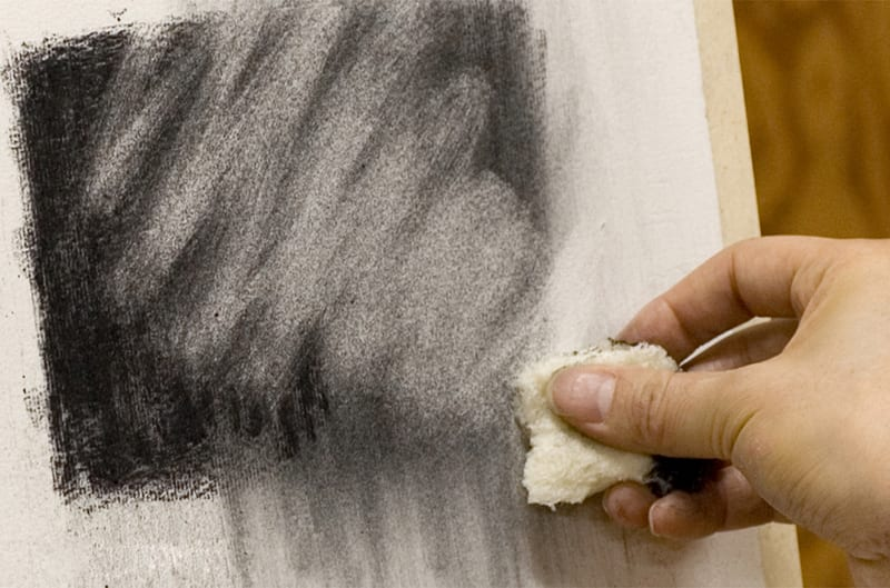 322_charcoal-drawing-erasing-tools-bread-cloth_02_3