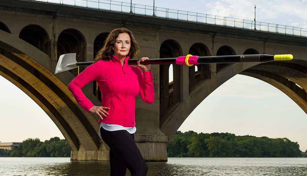 1140-personal-best-lynda-carter-sculling.imgcache.revb95f2bc0cd660dfe6166c7fde875acd6