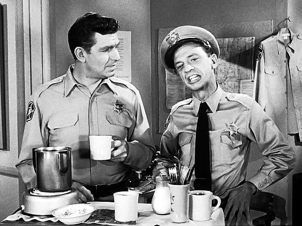 ANDY-GRIFFITH-BARNEY-FIFE_in_Barns_ROOM