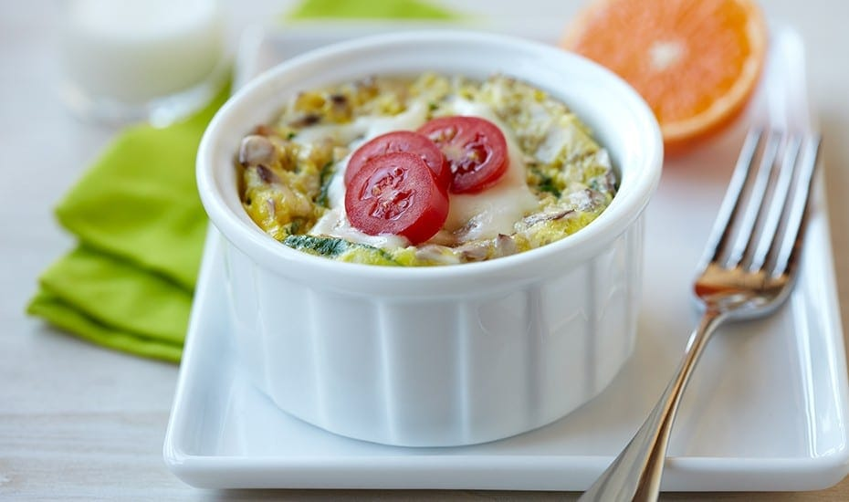 microwave-egg-veggie-breakfast-bowl-930x550