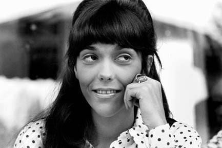karen-carpenter-eyes-rolling