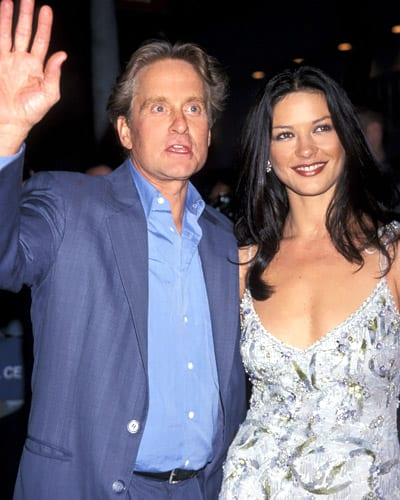 082813-Catherine-Zeta-Jones-Michael-Douglas-8-400