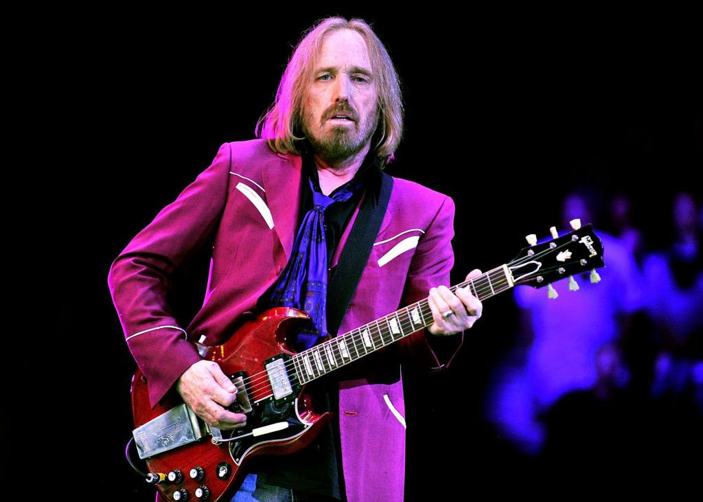 Tom-Petty-And-The-Heartbreakers-Perform-At-The-Viejas-Arena.jpeg.CROP.promo-xlarge2