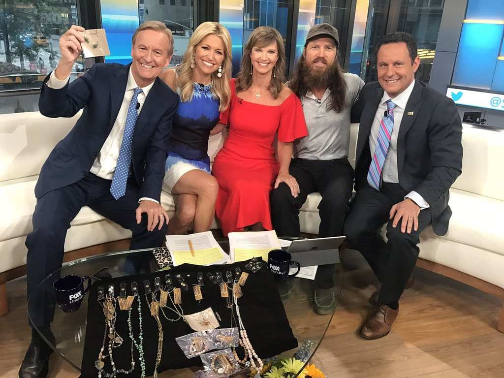 17-Lisa-and-Alan-Robertson-at-Fox-and-Friends