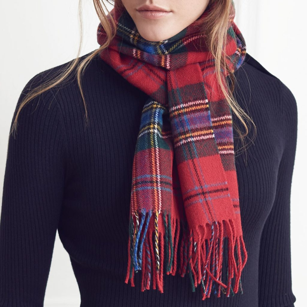 ABSCL-MLD-M-MacLean-of-Duart-Modern-Lambswool-Scarf-Model-72dpi-RGB_61