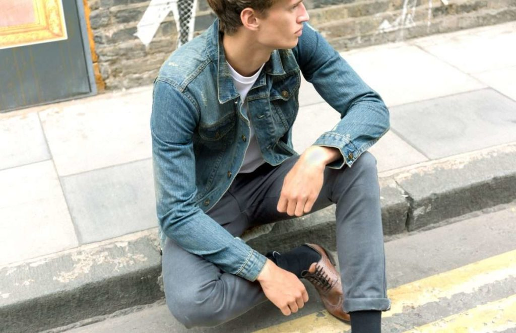 how-to-wear-a-denim-jacket-mens-street-style-1170x755