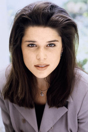 neve-campbell-210411
