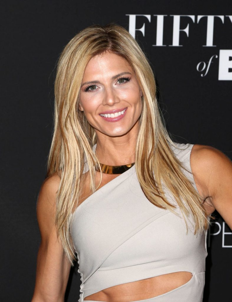 torrie-wilson-at-fifty-shades-of-black-premiere-in-los-angeles-01-26-2016_2