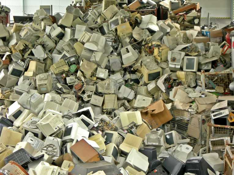 high-toxins-school-waste-recycling-site_3110