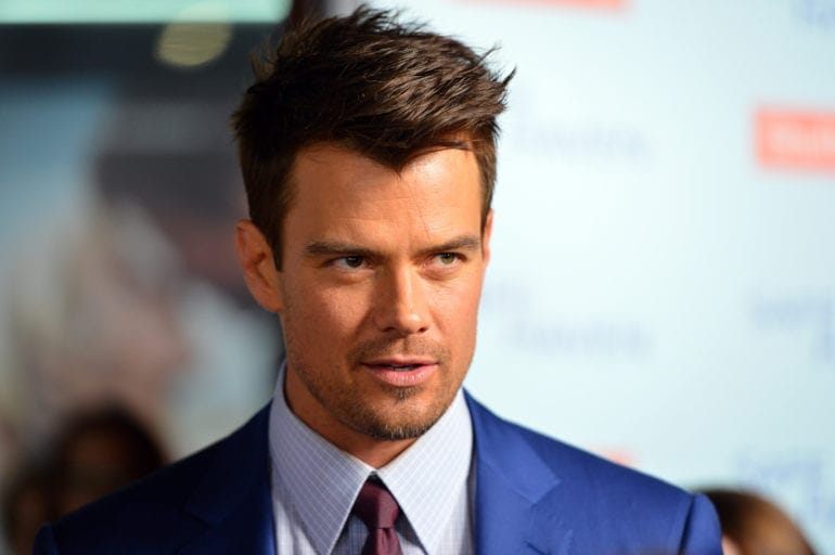 """HOLLYWOOD, CA - FEBRUARY 05: Actor Josh Duhamel arrives at the premiere of Relativity Media's """"Safe Haven"""" at TCL Chinese Theatre on February 5, 2013 in Hollywood, California. (Photo by Alberto E. Rodriguez/Getty Images for Relativity Media)"""